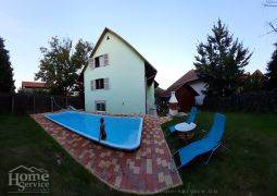 9-apartment house with pool for sale in the central part of Hévíz.