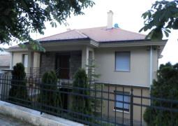 (Magyar) 2 szobás apartman eladó Hévíz központban